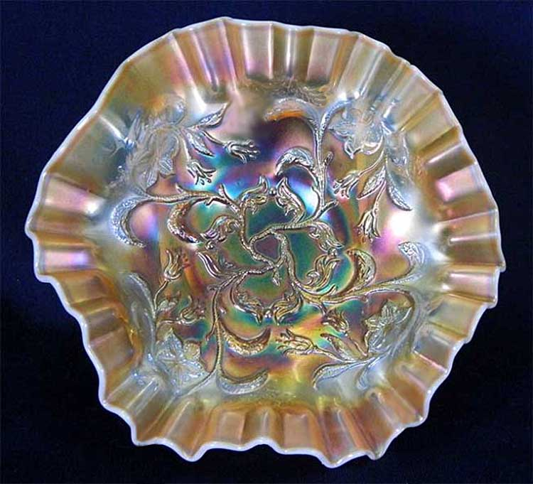 "Bells and Beads crimped ruffled 7"" bowl, peach opal"