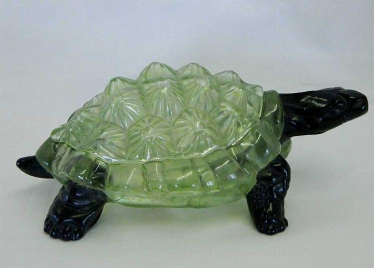 Covered Turtle - ice green