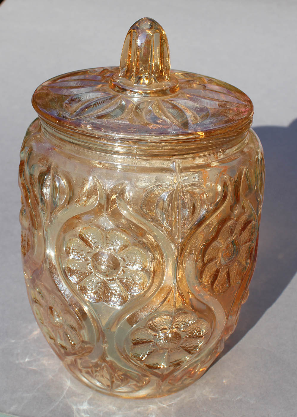 Illinois Daisy biscuit jar, -