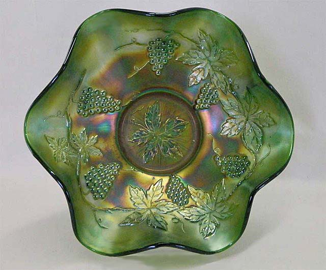 "Vintage 10"" ruffled bowl - green"
