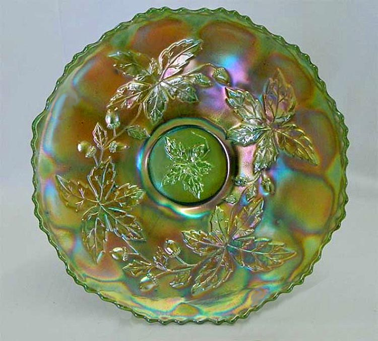 "Autumn Acorns 9"" plate, green"