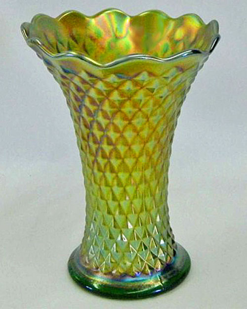 "Diamond Point 7"" squatty vase, green"