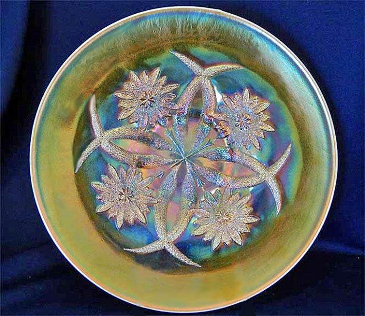 Four Flowers chop plate, peach opal