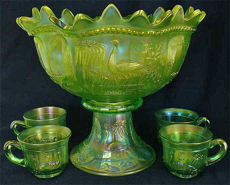 Peacock at the Fountain part punch set, lime green